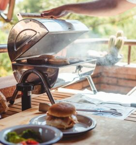 How to Have an Apartment Friendly Barbecue